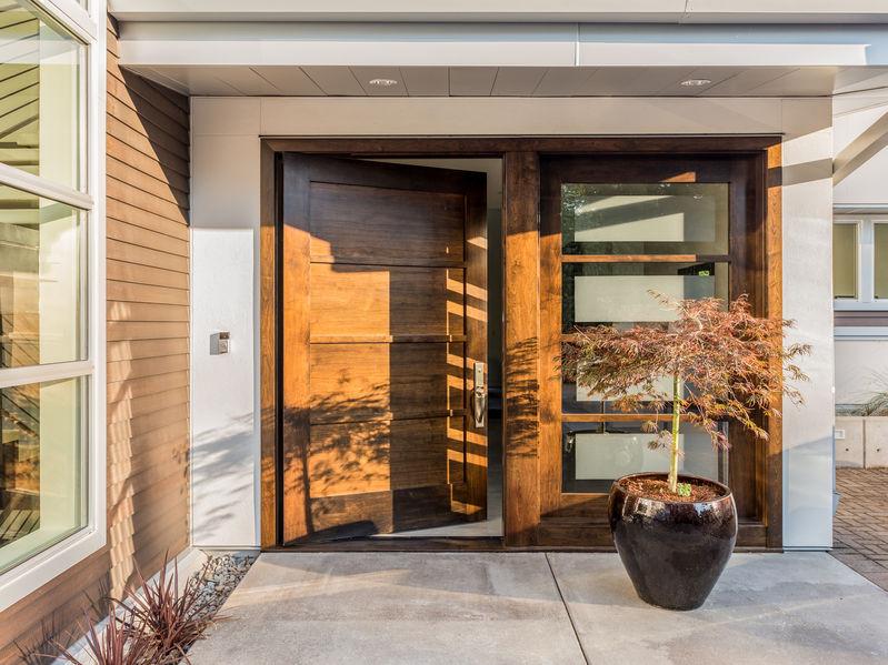 Entrada puerta de aluminio