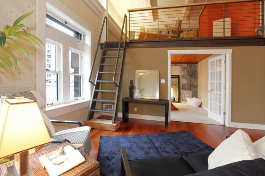 Escalera hecha en hierro para salón y casa interior